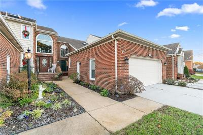 Virginia Beach Single Family Home For Sale: 4829 Kempsville Greens Pw