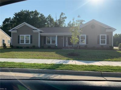 Suffolk Single Family Home For Sale: 5028 Kings Grant Cir #244