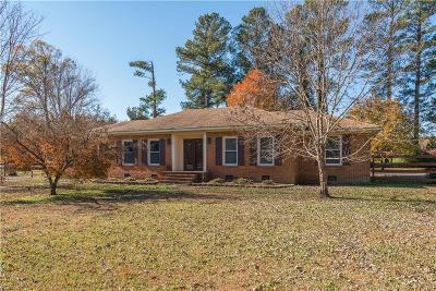 Suffolk Single Family Home For Sale: 5035 Carolina Rd