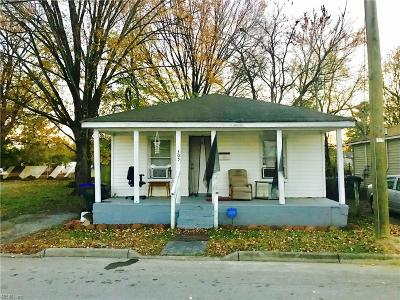 Suffolk Single Family Home For Sale: 305 Pleasant St
