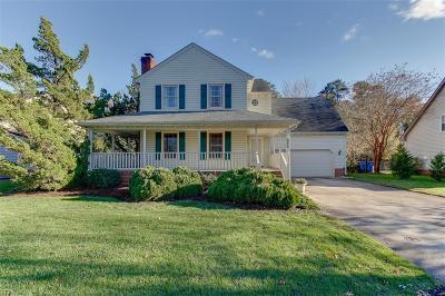 Chesapeake Single Family Home For Sale: 339 Barcelona Dr