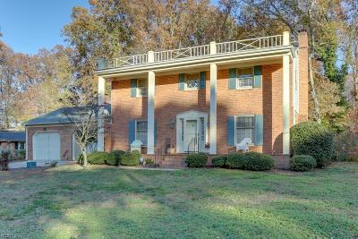 Newport News Single Family Home For Sale: 118 Stonewall Pl