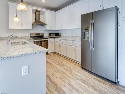 Norfolk Single Family Home For Sale: 7922 Shore Dr #315