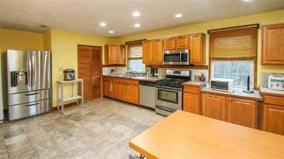 Hampton Single Family Home New Listing: 22 Victor St