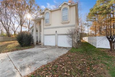 Chesapeake Single Family Home New Listing: 200 Hunter Green Ct