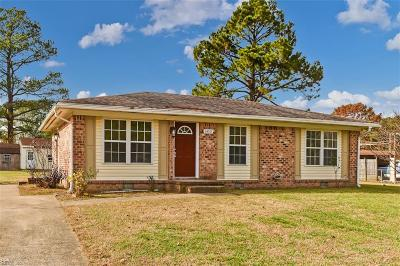 Suffolk Single Family Home New Listing: 1450 Chancellor Ct