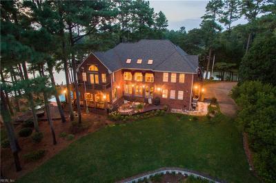 Virginia Beach Single Family Home For Sale: 1600 Arrowhead Pt