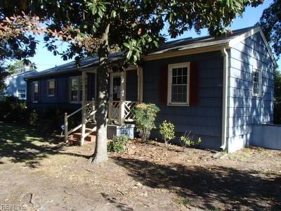 Hampton Single Family Home New Listing: 17 Gumwood Dr