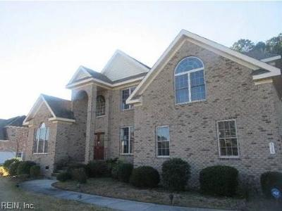 Chesapeake Single Family Home For Sale: 525 Thistley Ln