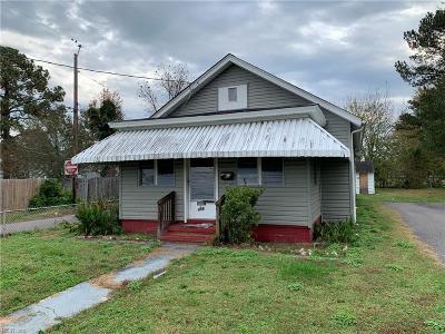 Hampton Single Family Home New Listing: 496 England Ave