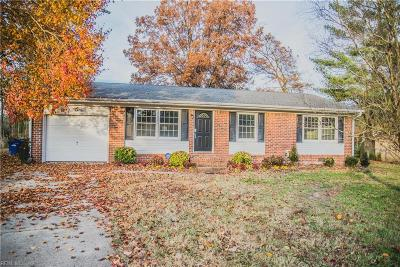 Portsmouth Single Family Home New Listing: 8 Starling Ct