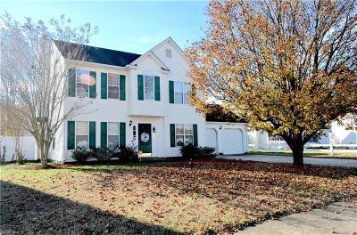 Hampton Single Family Home New Listing: 8 Old Pond Ct