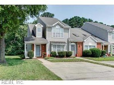 Portsmouth Single Family Home New Listing: 42 Candlelight Ln