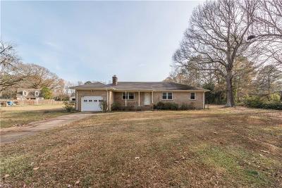 Chesapeake Single Family Home New Listing: 569 Saddlehorn Dr