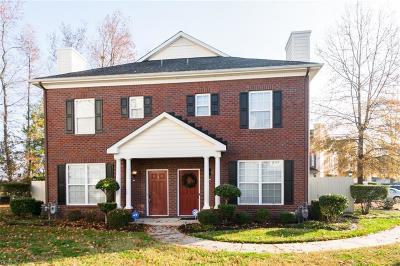 Virginia Beach Single Family Home New Listing: 5860 Ludington Dr