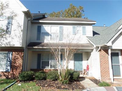 Chesapeake Single Family Home New Listing: 748 Sendero Ct