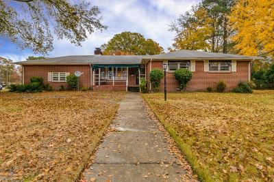 Hampton Single Family Home New Listing: 328 Sourwood Dr