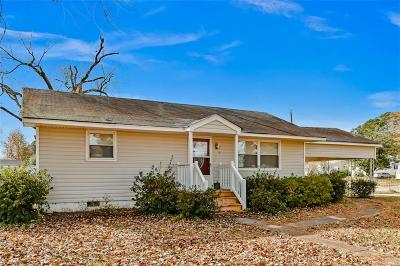 Portsmouth Single Family Home New Listing: 405 Bunche Blvd