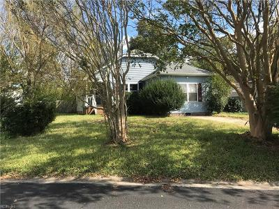 Suffolk Single Family Home New Listing: 107 Burnetts Ct