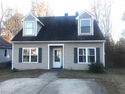 Suffolk Single Family Home New Listing: 106 Elmington Way