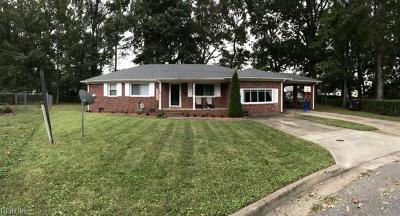 Chesapeake Single Family Home New Listing: 2704 Fincham Ct