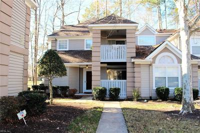 Single Family Home New Listing: 339 Gainsborough Sq