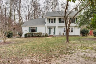 Queens Lake Residential Under Contract: 268 Nottingham Rd