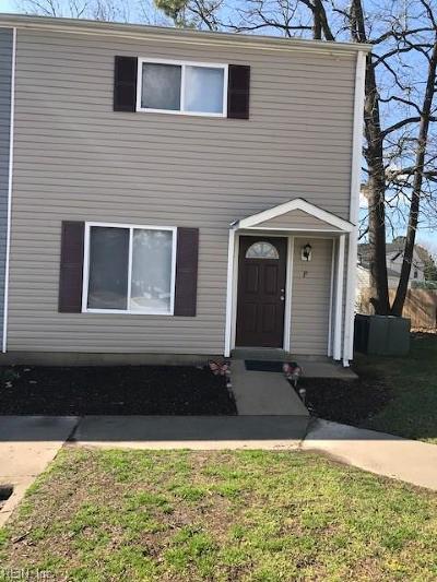 Newport News Residential New Listing: 152 Delmar Ln #F