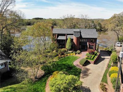 Newport News Residential For Sale: 13 Wayfin Cir