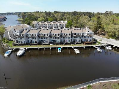 Virginia Beach Residential New Listing: 100 Pinewood Rd #124