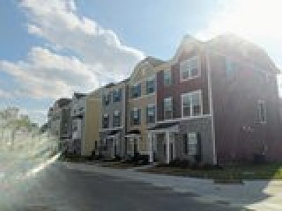 Chesapeake Residential Under Contract: 909 Hornswaggle Way