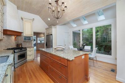 Larchmont Residential For Sale: 6108 Studeley Ave