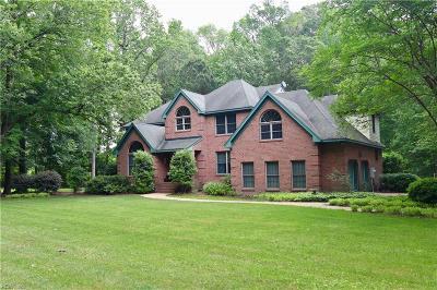Chesapeake Residential For Sale: 600 Ravenwoods Dr