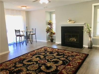 Virginia Beach Residential New Listing: 1423 Ivywood Rd #11-F