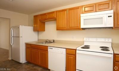 Newport News Residential New Listing: 165 Delmar Ln #D