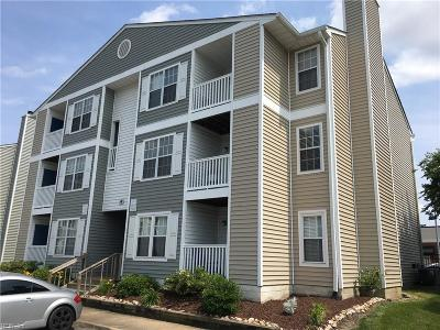 Virginia Beach Residential New Listing: 1839 Chantilly Ct #402