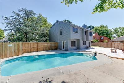 Virginia Beach Residential New Listing: 5109 Park Lake Ct