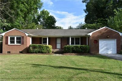 Newport News Residential New Listing: 109 Opal Dr