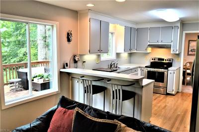 Newport News Residential For Sale: 885 Garrow Rd