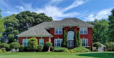 Suffolk Residential For Sale: 110 Nansemond Pointe Dr