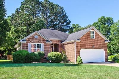Williamsburg Residential New Listing: 121 Charter House Ln