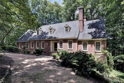 Williamsburg Residential For Sale: 104 Lake Dr