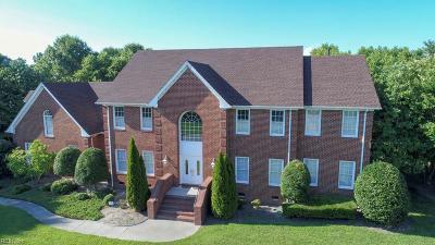 Suffolk Residential For Sale: 127 Nansemond Pointe Dr