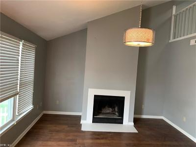Portsmouth Residential For Sale: 38 Cooper Dr