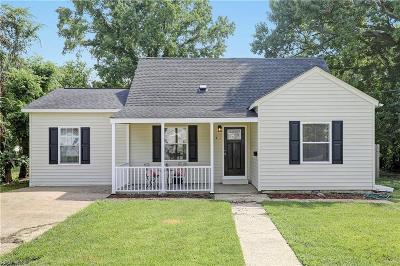 Hampton Residential New Listing: 4 Clover St