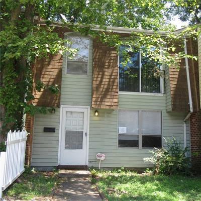 Virginia Beach Residential New Listing: 964 Level Green Blvd