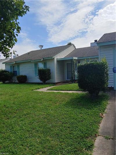 Virginia Beach Residential New Listing: 5113 Holly Farms Dr