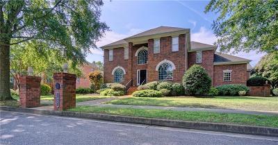 Norfolk Residential For Sale: 1431 N Veaux Loop