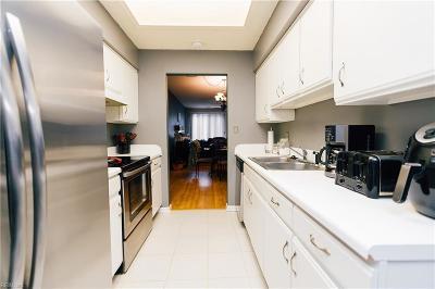 Virginia Beach Residential New Listing: 977 Gas Light Ln
