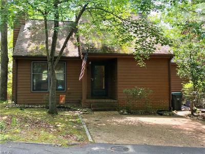 Williamsburg Residential New Listing: 722 Autumn Cir